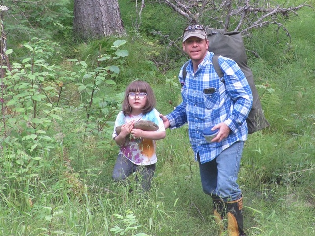 Maggie and Kevin Joubert Gold panning day (2)